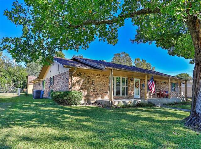 2025 Cypress Street, Gainesville, TX 76240 (MLS #14696266) :: Real Estate By Design