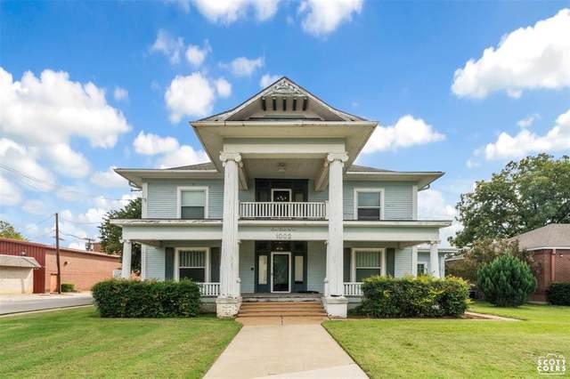 1000 Main, Brownwood, TX 76801 (MLS #14696381) :: Jones-Papadopoulos & Co