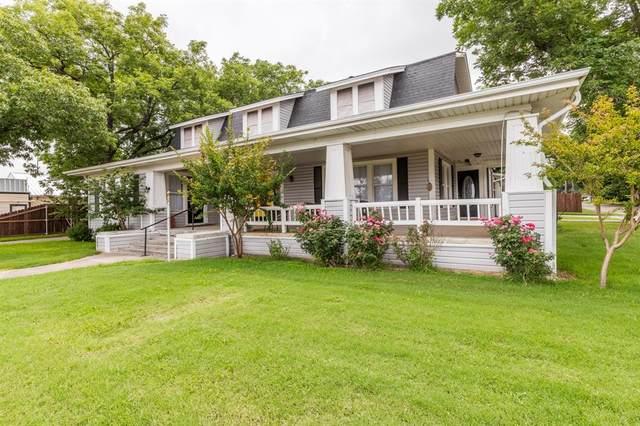 109 S 3rd Street, Grandview, TX 76050 (MLS #14696729) :: Justin Bassett Realty
