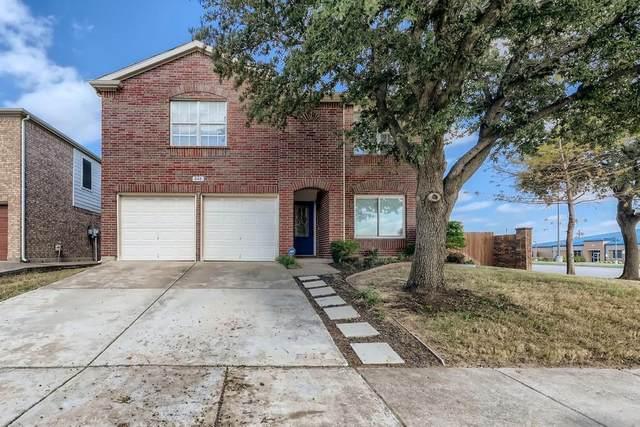848 Lariat Drive, Saginaw, TX 76131 (MLS #14697549) :: Rafter H Realty