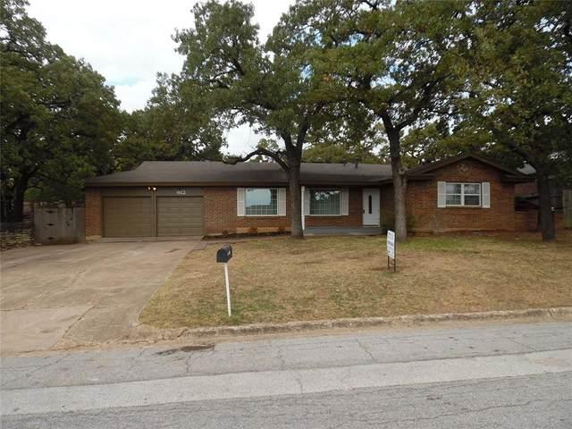 612 Plainview Drive, Hurst, TX 76054 (MLS #14698208) :: Lisa Birdsong Group   Compass