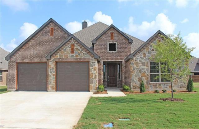726 La Paloma Drive, Sanger, TX 76266 (MLS #13619784) :: Team Hodnett