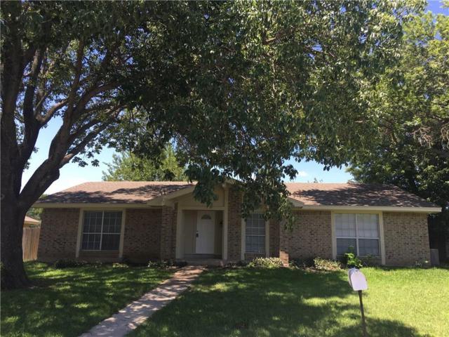 831 Live Oak Drive, Desoto, TX 75115 (MLS #13629967) :: RE/MAX Pinnacle Group REALTORS