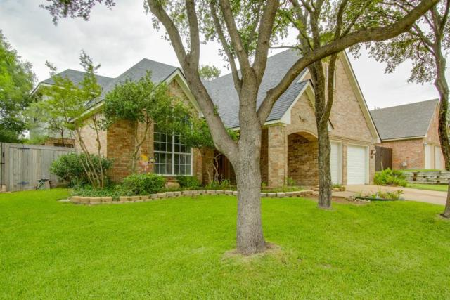2555 Glen Ridge Drive, Highland Village, TX 75077 (MLS #13673496) :: The Rhodes Team