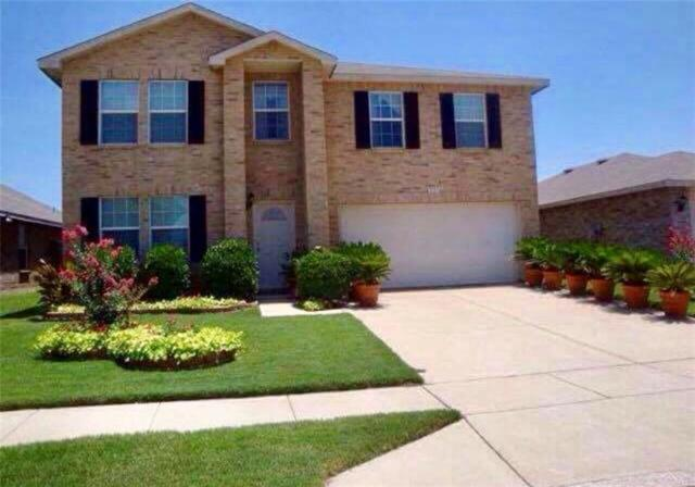 9117 Old Clydesdale Drive, Fort Worth, TX 76123 (MLS #13749944) :: NewHomePrograms.com LLC