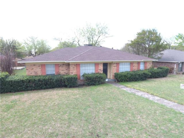 918 Waynelee Drive, Lancaster, TX 75146 (MLS #13778311) :: Team Hodnett