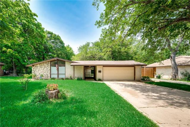 325 Meadowcreek Drive, Desoto, TX 75115 (MLS #13830430) :: RE/MAX Landmark
