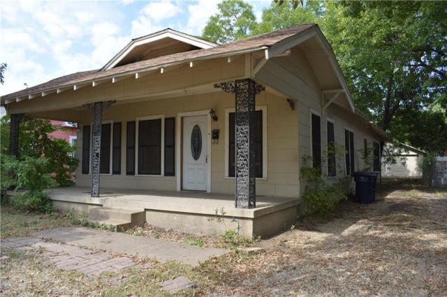 2303 Mckinley Avenue, Fort Worth, TX 76164 (MLS #13848072) :: Frankie Arthur Real Estate