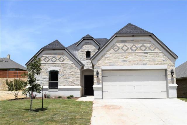 1621 Town Creek Circle, Weatherford, TX 76086 (MLS #13874734) :: RE/MAX Pinnacle Group REALTORS