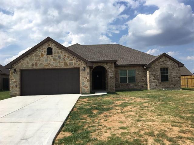 2105 Stonegate Boulevard, Bridgeport, TX 76426 (MLS #13882913) :: Team Hodnett