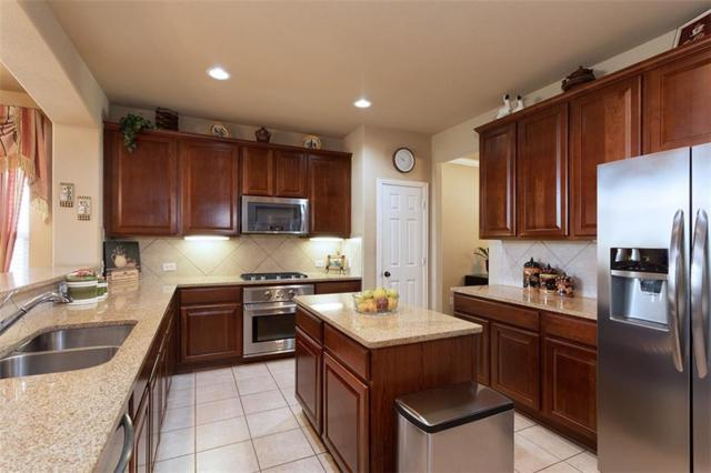 11999 Henderson Drive, Frisco, TX 75035 (MLS #13894715) :: RE/MAX Landmark