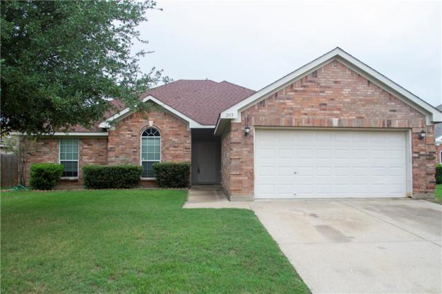 203 Forestridge Drive, Mansfield, TX 76063 (MLS #13901555) :: Team Hodnett