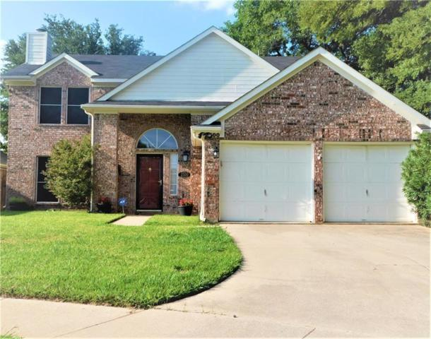 2500 Chesapeake Court, Euless, TX 76040 (MLS #13913477) :: RE/MAX Town & Country