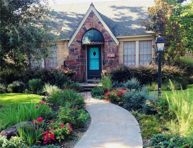 2016 Old Orchard Drive, Dallas, TX 75208 (MLS #13929825) :: RE/MAX Town & Country