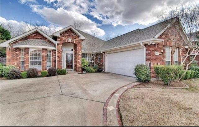 800 Saint Matthew Drive, Mansfield, TX 76063 (MLS #13934421) :: Magnolia Realty