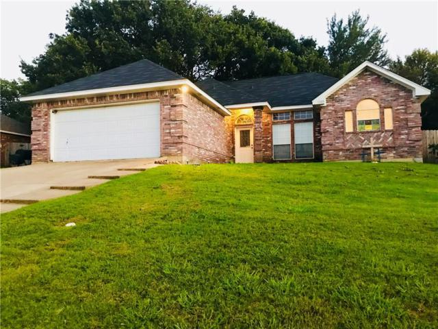 1925 Nottingham Drive, Kaufman, TX 75142 (MLS #13938648) :: RE/MAX Town & Country