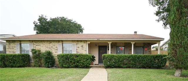 2113 Chatsworth Road, Carrollton, TX 75007 (MLS #13945458) :: RE/MAX Town & Country