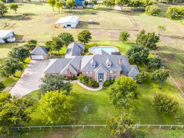 800 W Cleburne Road, Crowley, TX 76036 (MLS #13951708) :: The Mitchell Group