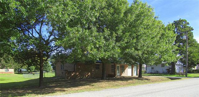 312 Hall Street, Montague, TX 76251 (MLS #13952665) :: RE/MAX Town & Country