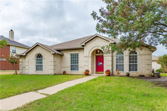 2911 Pinecrest Court, Mesquite, TX 75181 (MLS #13962395) :: RE/MAX Town & Country