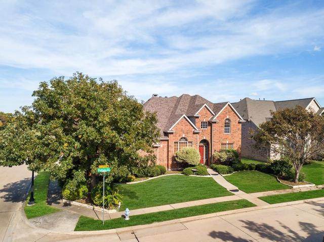 8016 Pullam Circle, Plano, TX 75024 (MLS #13975082) :: Kimberly Davis & Associates