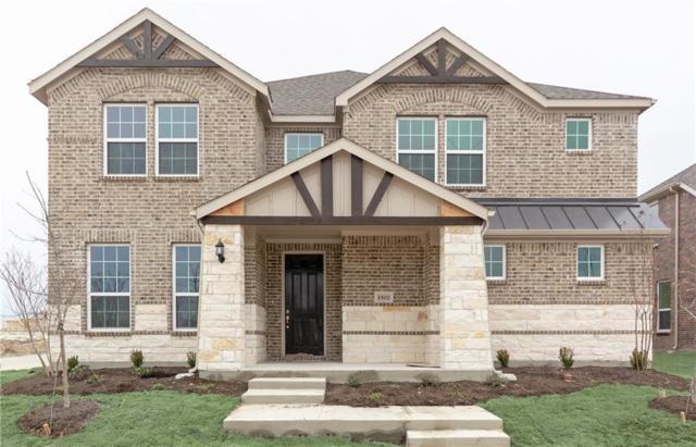 1502 Everett Drive, Garland, TX 75044 (MLS #14005516) :: Kimberly Davis & Associates