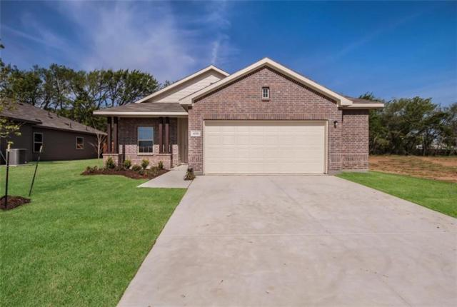 404 Countryside Drive, Aubrey, TX 76227 (MLS #14012458) :: Real Estate By Design