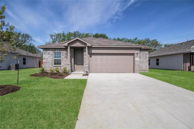 408 Countryside Drive, Aubrey, TX 76227 (MLS #14012609) :: The Real Estate Station