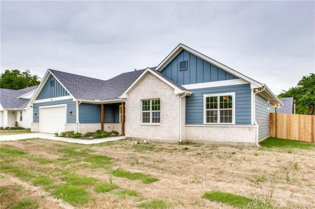 416 E Liberty Street, Pilot Point, TX 76258 (MLS #14037111) :: RE/MAX Town & Country