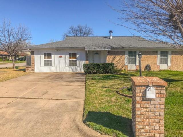 901 Childers Avenue, Benbrook, TX 76126 (MLS #14038328) :: RE/MAX Town & Country