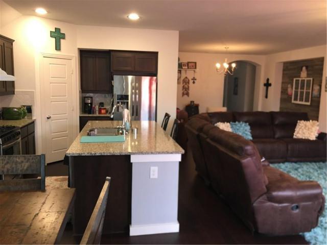 1625 Meadow Trail Lane, Aubrey, TX 76227 (MLS #14045828) :: Real Estate By Design
