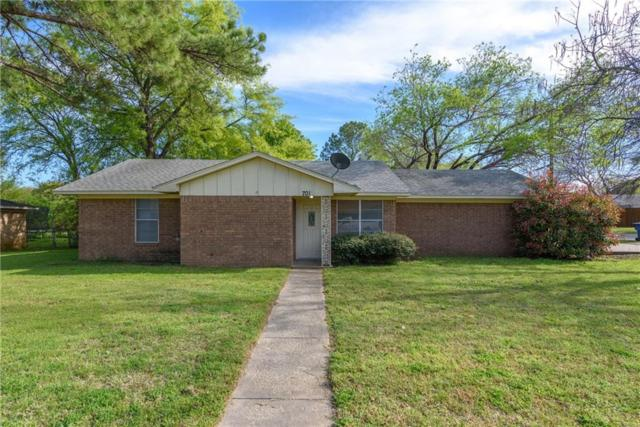 701 E Main Street, Pilot Point, TX 76258 (MLS #14054849) :: RE/MAX Town & Country