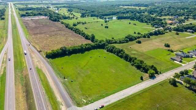 PECAN Hwy 82, Bonham, TX 75418 (MLS #14054922) :: KW Commercial Dallas