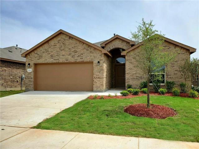1044 Spanish Needle Trail, Fort Worth, TX 76177 (MLS #14061227) :: Real Estate By Design