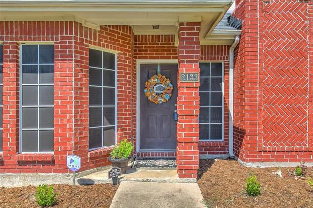 2133 Bresee Drive, Carrollton, TX 75010 (MLS #14103039) :: Lynn Wilson with Keller Williams DFW/Southlake