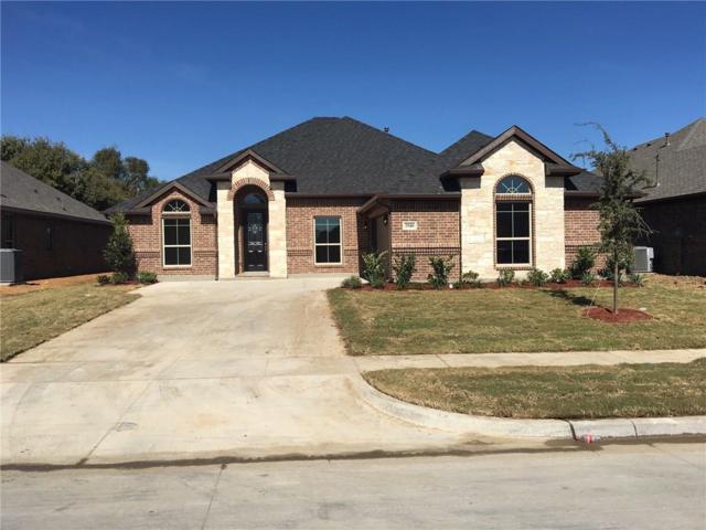 2940 Cayuga Lane, Grand Prairie, TX 75054 (MLS #14105465) :: The Tierny Jordan Network