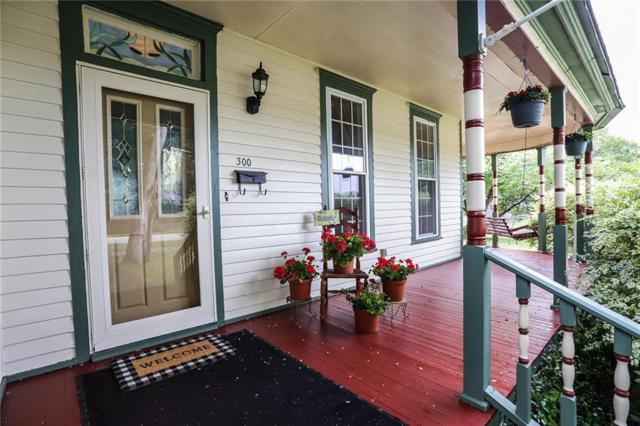 300 Briggs Street, Waxahachie, TX 75165 (MLS #14109984) :: The Real Estate Station