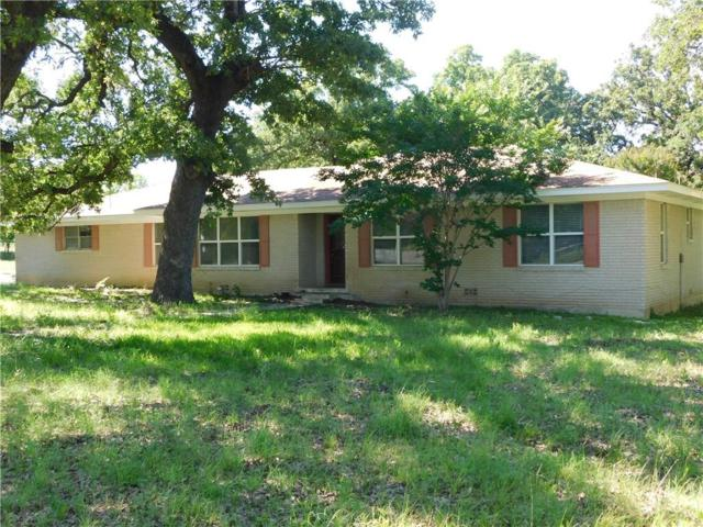 604 W Sherman Street, Chico, TX 76431 (MLS #14113355) :: RE/MAX Town & Country