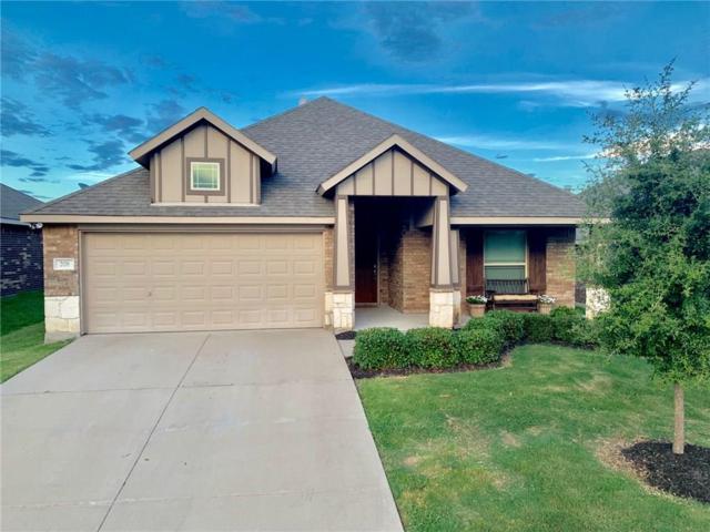 208 Chimney Rock Drive, Waxahachie, TX 75167 (MLS #14133011) :: Lynn Wilson with Keller Williams DFW/Southlake