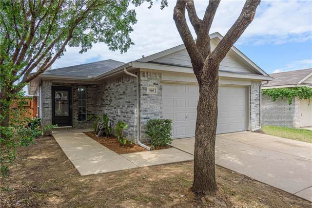 905 Savage Drive, Denton, TX 76207 (MLS #14138741) :: Lynn Wilson with Keller Williams DFW/Southlake
