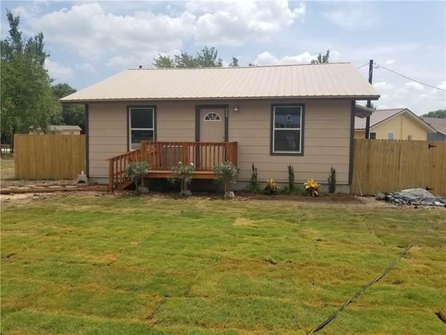 221 Spring Valley Circle Circle, Azle, TX 76020 (MLS #14144895) :: The Chad Smith Team