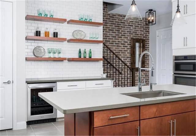 17728 Sage Lane, Dallas, TX 75252 (MLS #14153867) :: Kimberly Davis & Associates