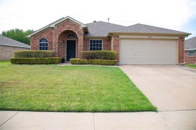 7924 Copper Canyon Drive, Arlington, TX 76002 (MLS #14156138) :: Hargrove Realty Group