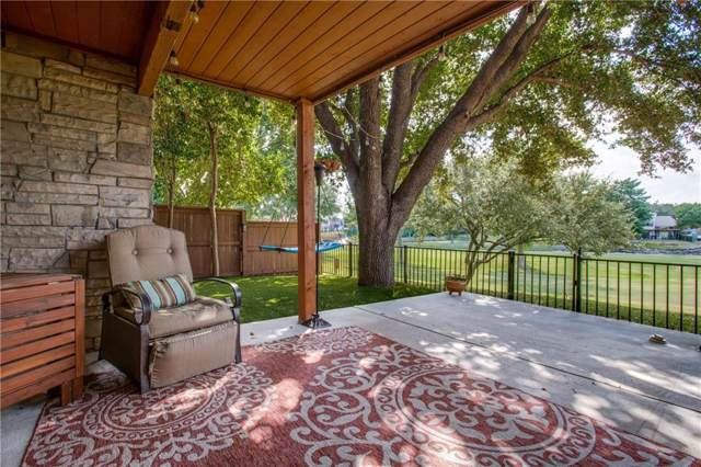 2930 Woodcroft Circle, Carrollton, TX 75006 (MLS #14185994) :: Trinity Premier Properties