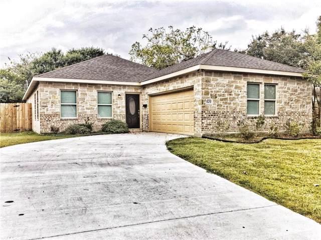 829 Lexington Drive, Lancaster, TX 75134 (MLS #14188190) :: The Paula Jones Team | RE/MAX of Abilene
