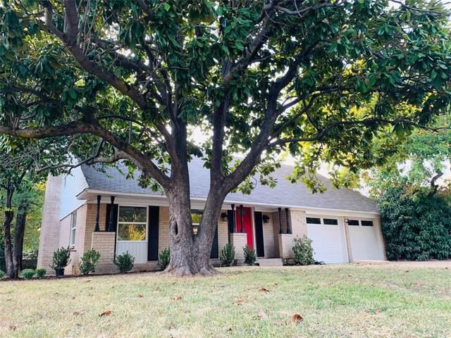 1826 Jones Drive, Arlington, TX 76013 (MLS #14189351) :: Lynn Wilson with Keller Williams DFW/Southlake