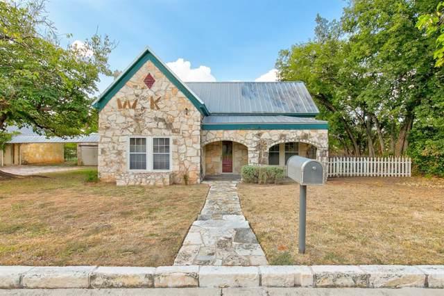 501 Counts Alley, Granbury, TX 76048 (MLS #14192625) :: Lynn Wilson with Keller Williams DFW/Southlake