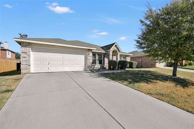 716 Redwing Drive, Saginaw, TX 76131 (MLS #14194742) :: RE/MAX Town & Country