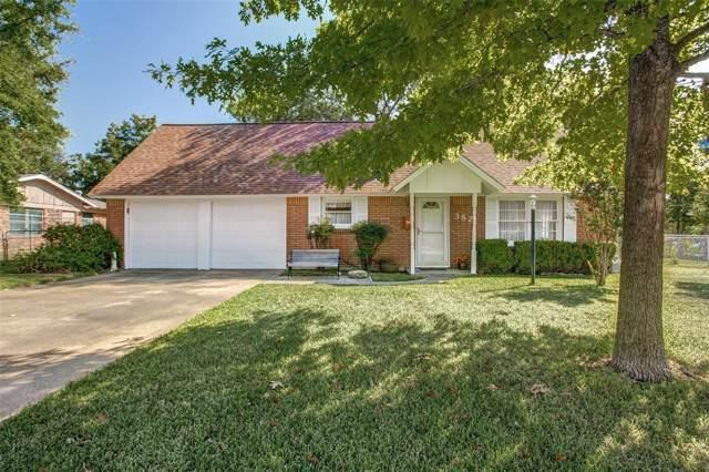 3821 Cresthill Road, Benbrook, TX 76116 (MLS #14197266) :: Tenesha Lusk Realty Group