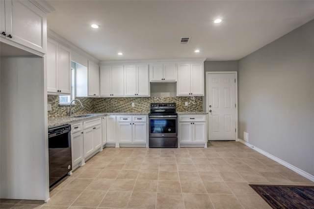 1711 Wynn Terrace, Arlington, TX 76010 (MLS #14198453) :: RE/MAX Pinnacle Group REALTORS